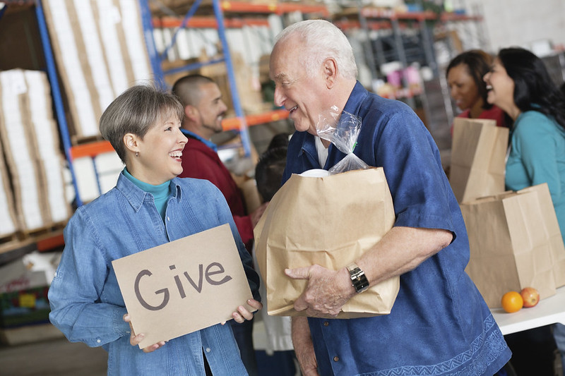 Ways to Give Back this Holiday Season - Dixon, IL